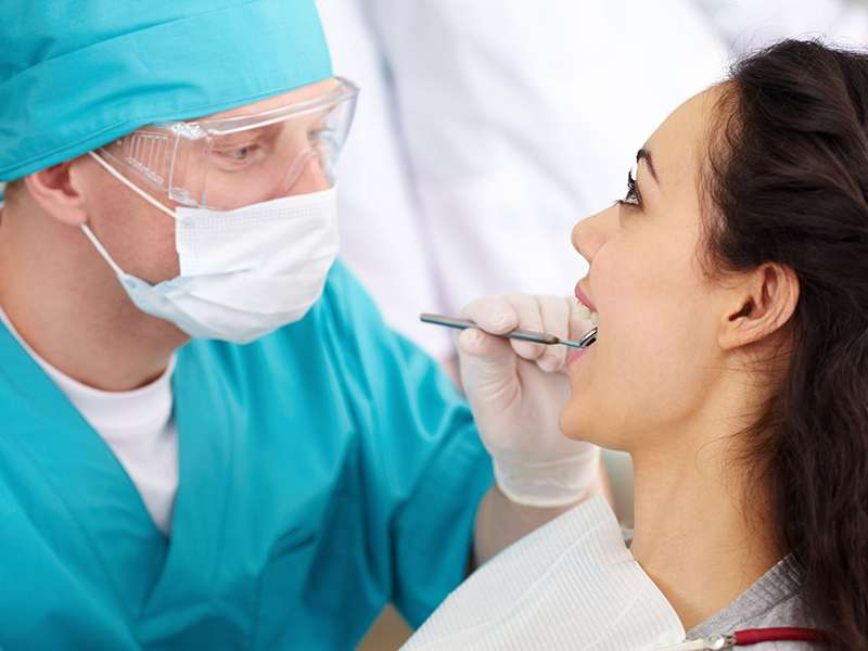 To which issues should be paid attention after the tooth extraction?